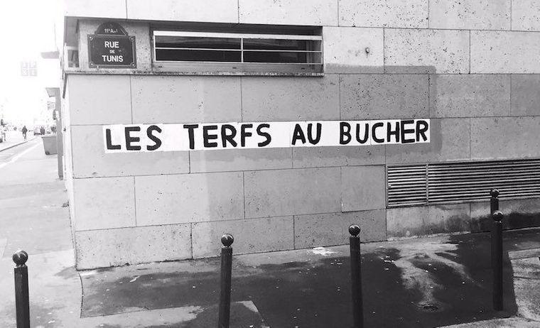 terfs-au-bucher-feministes-trans-transgenre-debat-lgbt